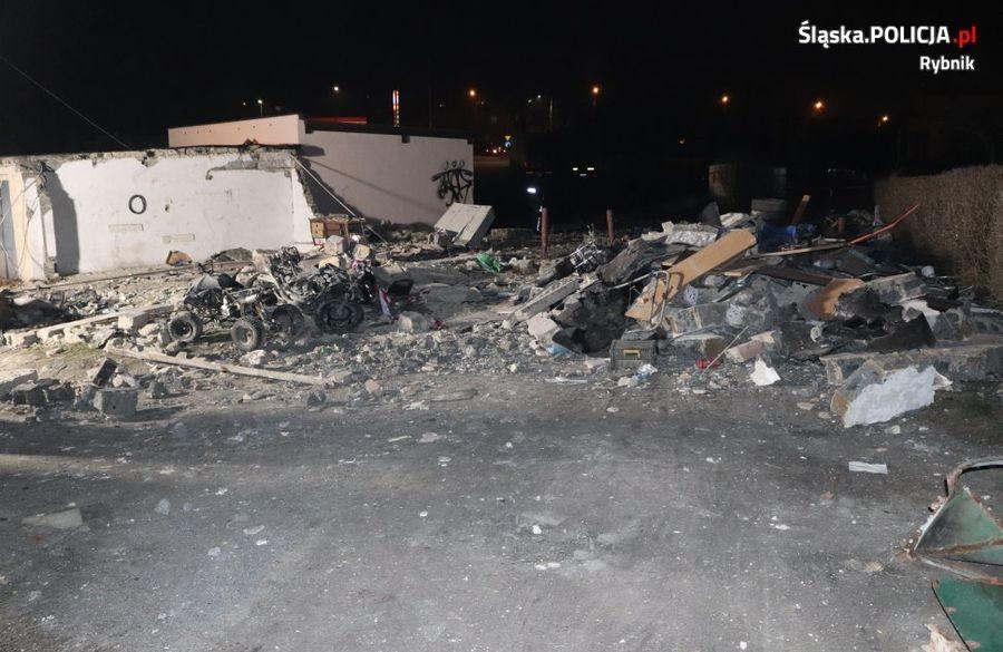 Wybuch W Garażu -  Ranny 58-Latek [Zdjęcia]