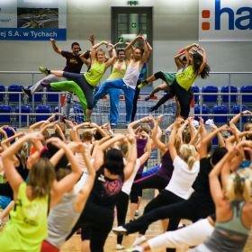 Tańcz i pomagaj!