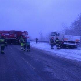 Zima wróciła - trudne warunki jazdy