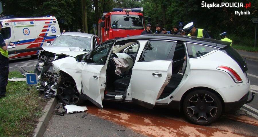 Czołowe zderzenie: 3 osoby ranne