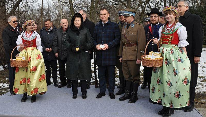 Pomnik Wybitnego Ślązaka W Warszawie
